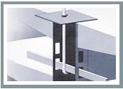 Die FOURMI®-Haltestangen sind eine Sicherheitsvorrichtung zum Absichern der Gondelregalrückenwände während der Bewegung