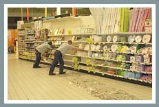 FOURMI® desplaza estanterías de supermercados con una capacidad de giro de 360°.